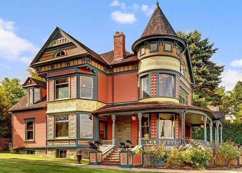 The Main Elements Of The Queen Anne Victorian Home Style